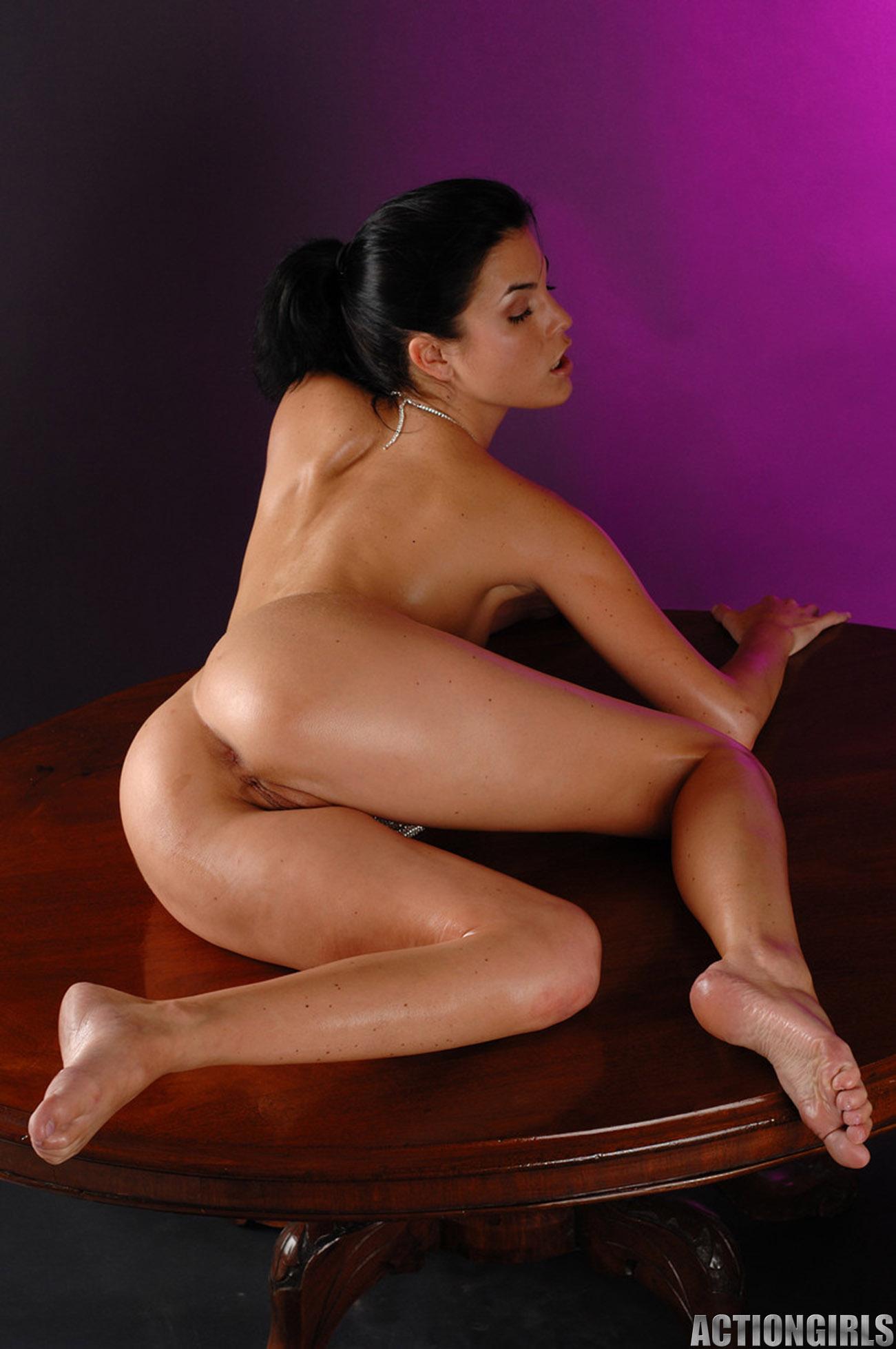 Hot brunettes nude