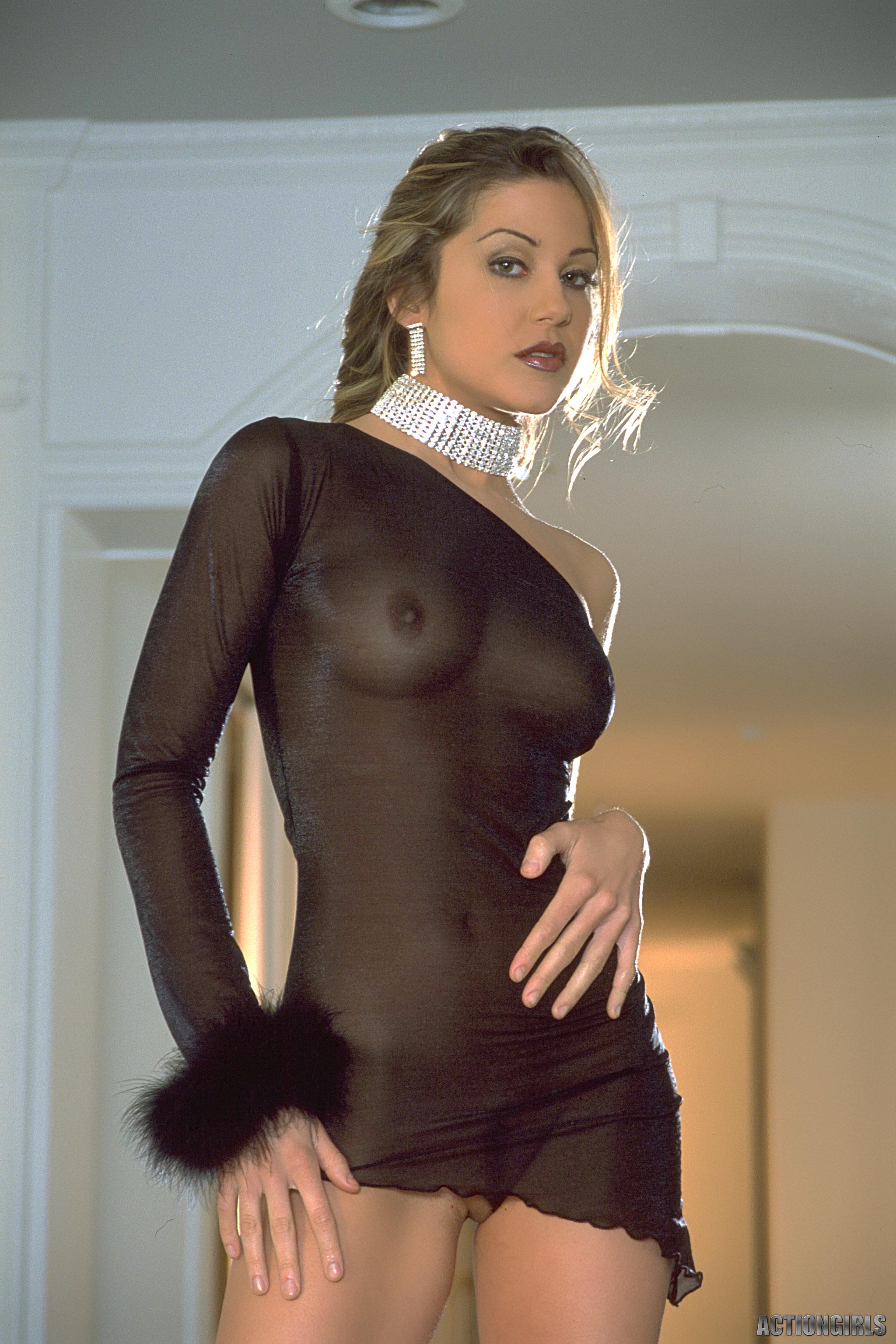 эротические фото девушек в облегающей одежде говорит