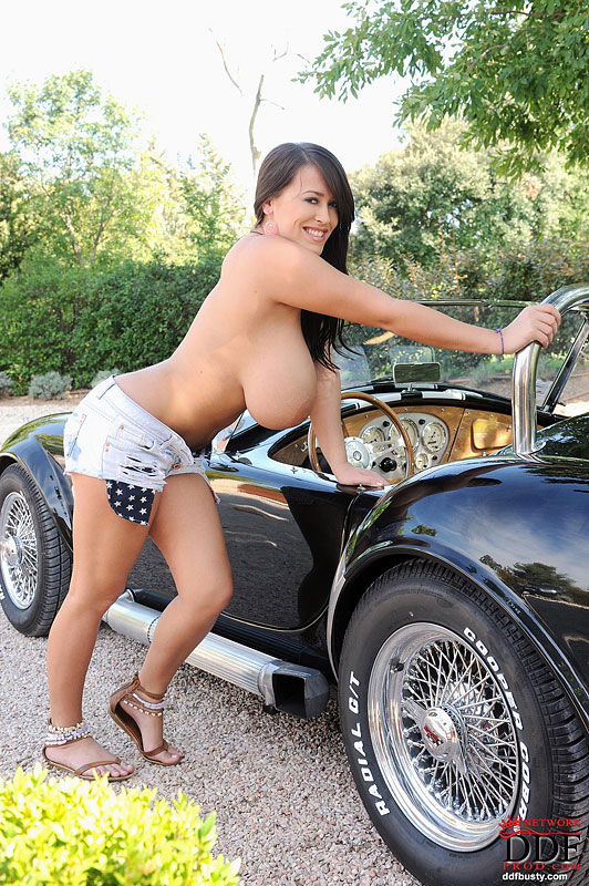 Muscle cars and big tits