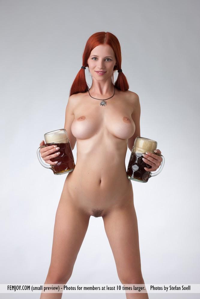 suomalainen alaston nainen Hanko