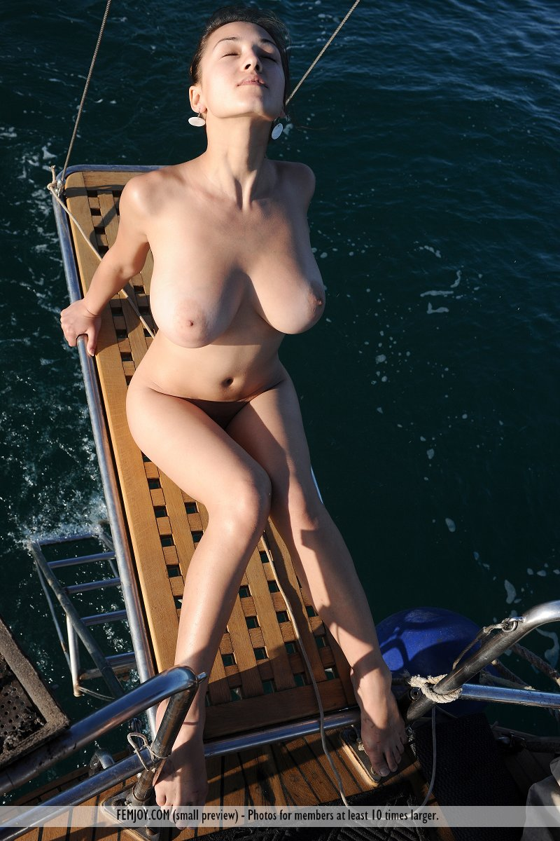 nude sailing pictures