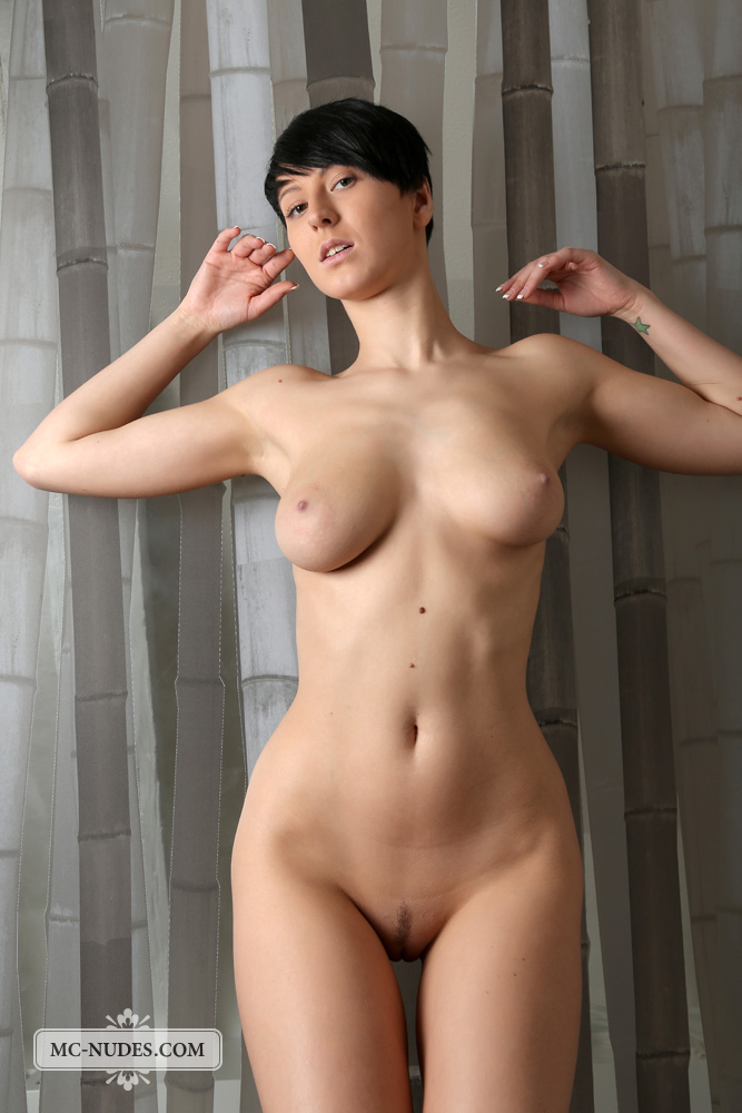 naked large breast of egyptian girls