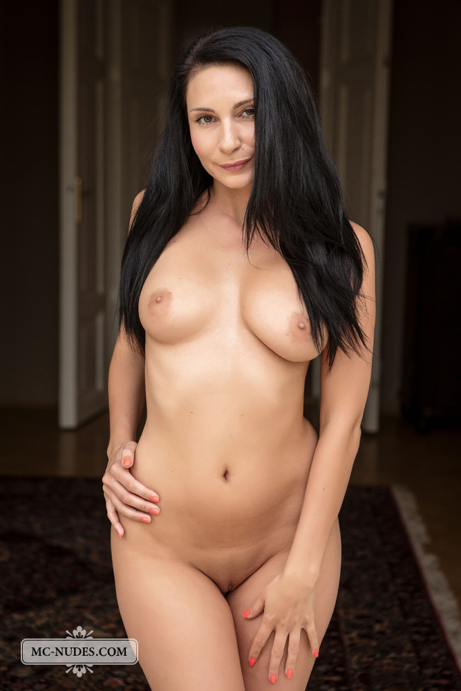 Kat Milf Nude Pics