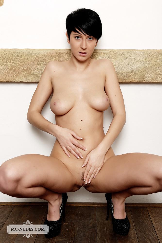 Смотреть порно с женщиной с короткой стрижкой 22 фотография