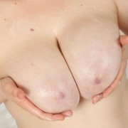 Freya Madison gets her Tits Sticky with Lotion