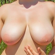 Anny Zemly Tanning her Body