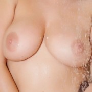 Jodie Gasson got Nylons in the Shower!