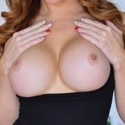 Sexy MILF Dani Busty Beauty