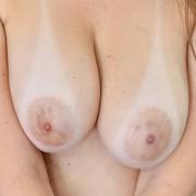 Melanie Hicks Masturbates