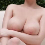 Anna - Busty